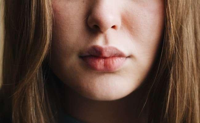 Ways to Get Rid of Dry and Dark Lips
